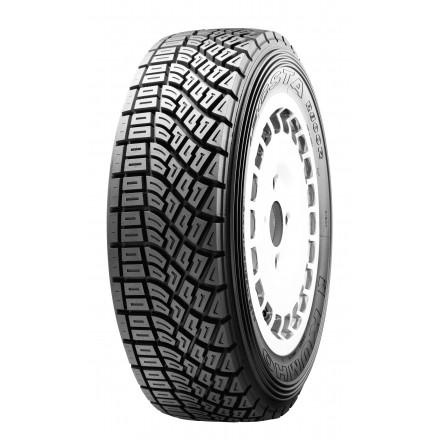 Kumho Tyre R800
