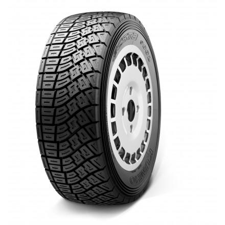 Kumho Tyre R900